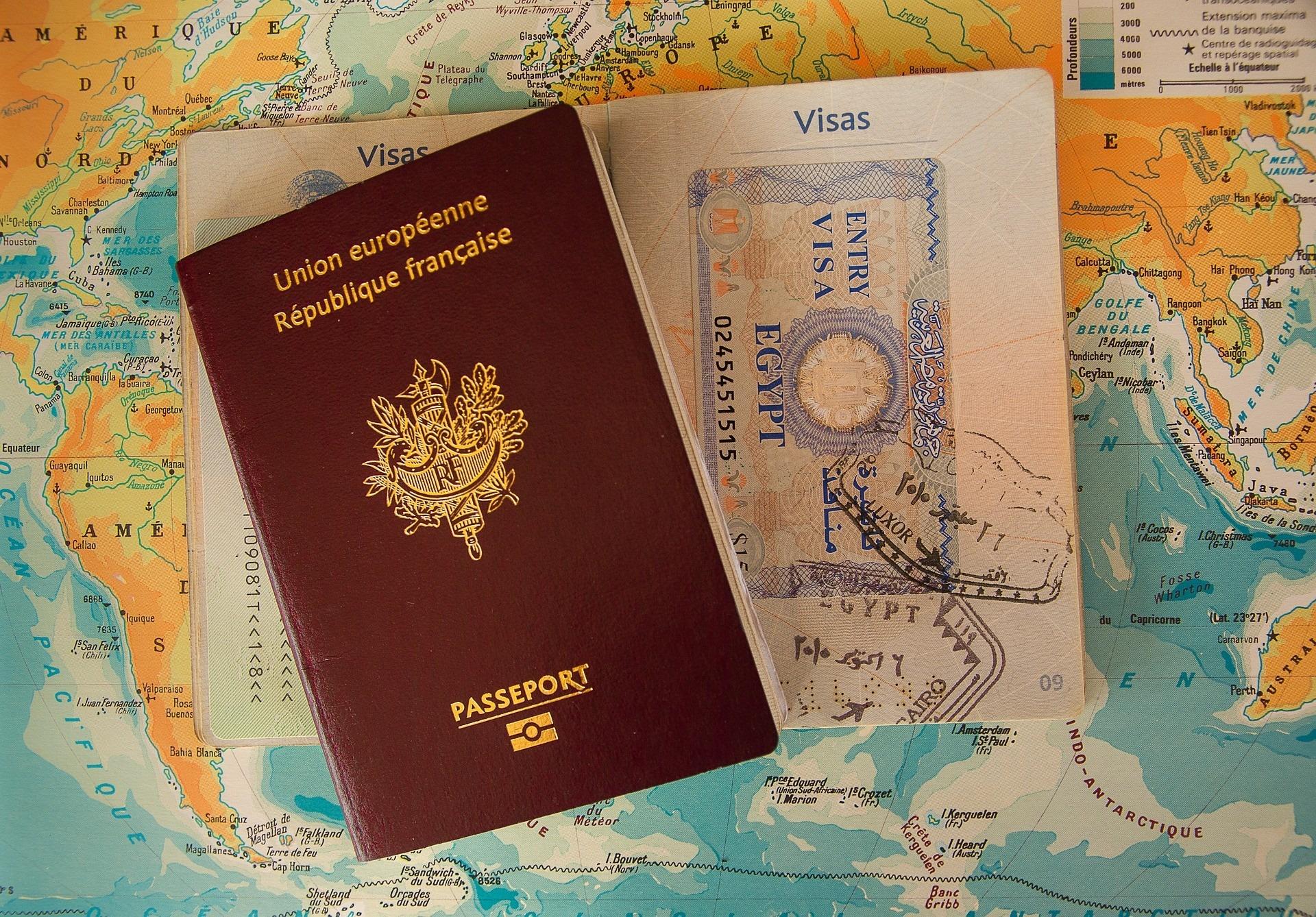 Les Préfectures peuvent-elles exiger des étrangers la présentation d'un passeport ?