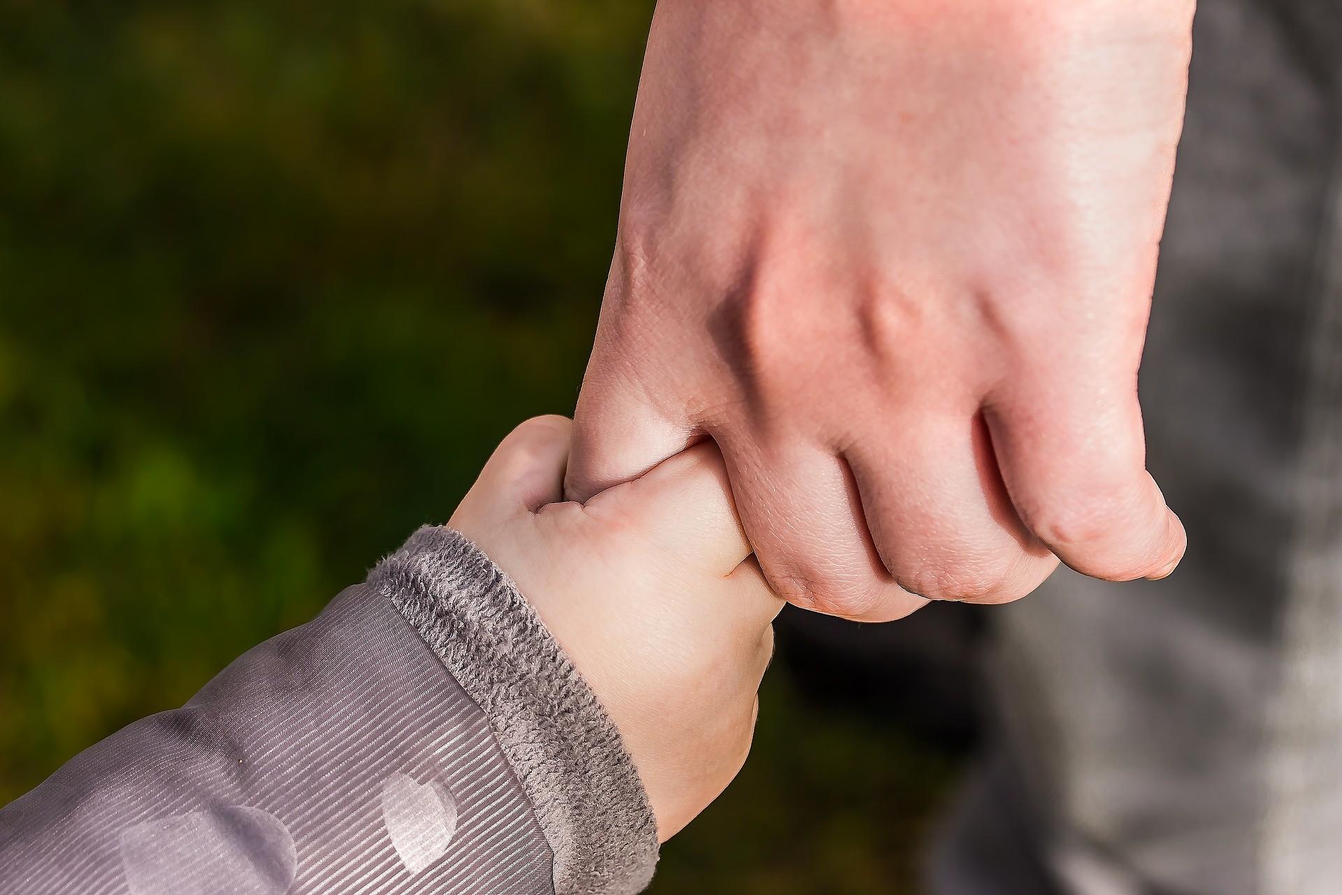 Refus de visa pour enfant mineur: qui peut agir?